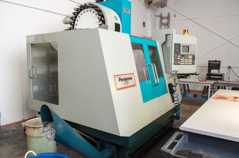 Akira Seiki Performa V3 CNC Milling and Manual Lathe Turning
